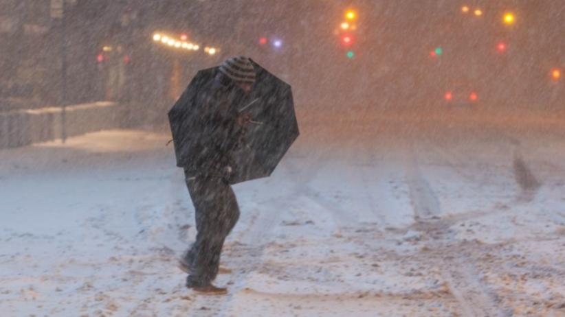 Nadciąga atak zimy. IMGW wydaje ostrzeżenia [MAPA]