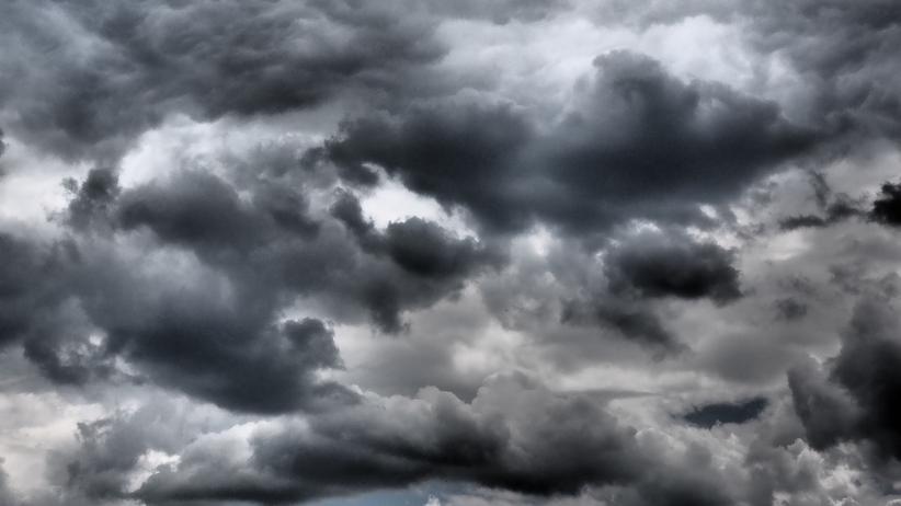 Cisza przed burzą. IMGW wydaje ostrzeżenia dla sześciu województw