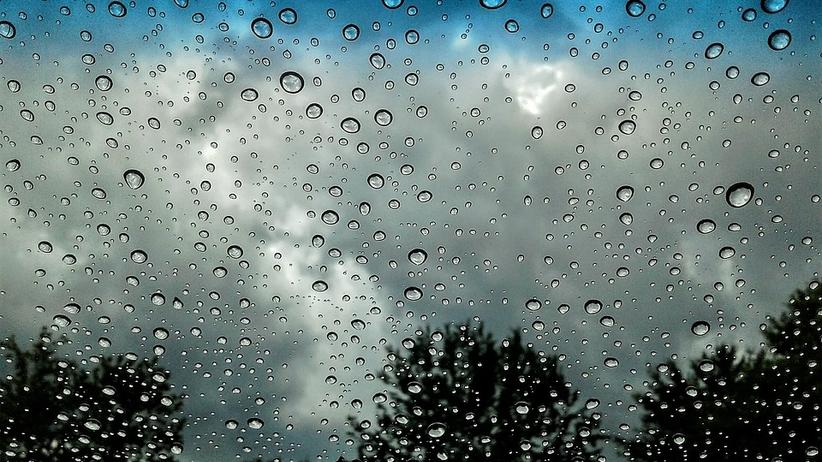Wrzesień wita nas deszczem. IMGW wydał ostrzeżenia przed intensywnymi opadami