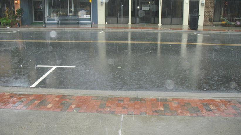Uwaga! Silne załamanie pogodowe w niemal całym kraju