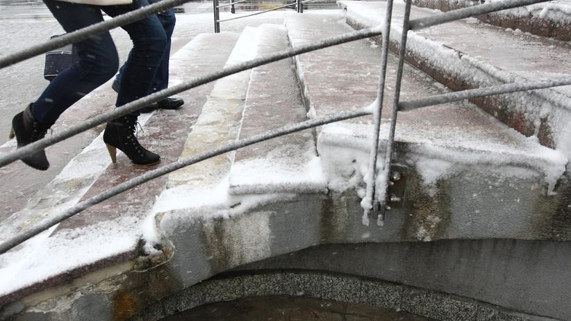 Pogoda na wtorek: Deszcz i śnieg na wschodzie Polski. Będzie chłodno