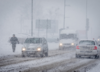 Nawet pół metra śniegu, wiatr i lód na drogach. IMGW wydaje alerty II stopnia