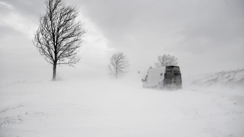 Nawet pół metra śniegu. IMGW wydaje alerty dla 7 województw