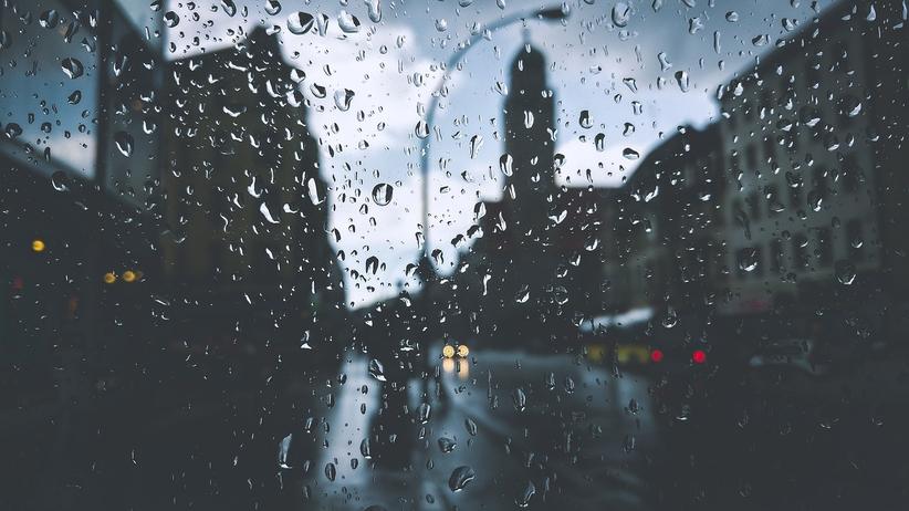 Pogoda: Opady deszczu i porywisty wiatr. Wzrośnie temperatura