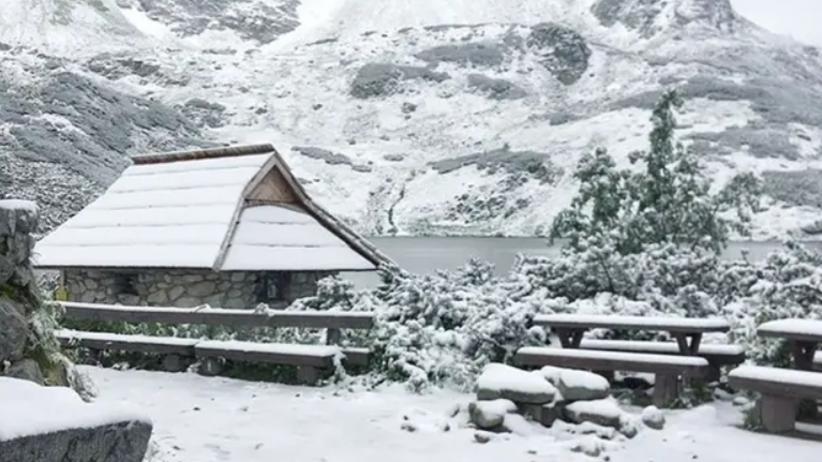 Zima w lato. W Tatrach spadł śnieg [FOTO]