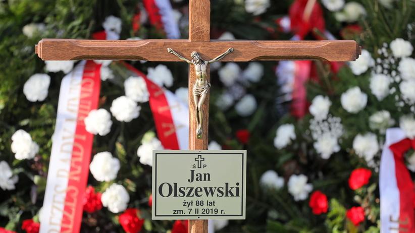 Msza pogrzebowa Jana Olszewskiego. Mocne słowa Antoniego Macierewicza o nienawiści