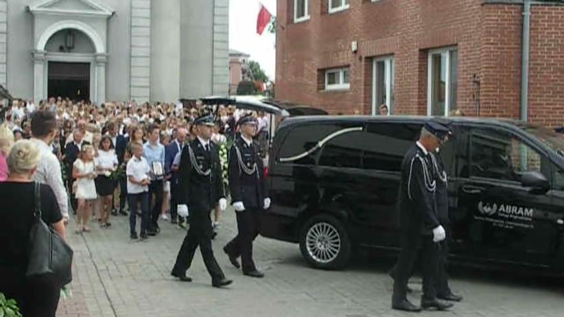Pogrzeb nastolatków w Sulmierzycach. Pożegnano ofiary tragedii z Darłówka