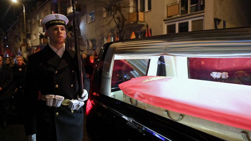 Władze Gdańska apelują ws. pogrzebu. ''Nie wstydźmy się swojej słabości''