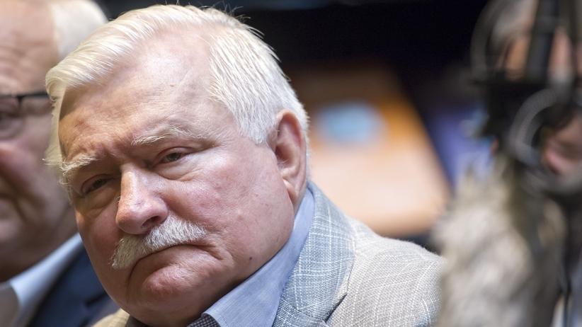 Policja sprawdzi czy Lech Wałęsa powinien mieć pozwolenie na broń