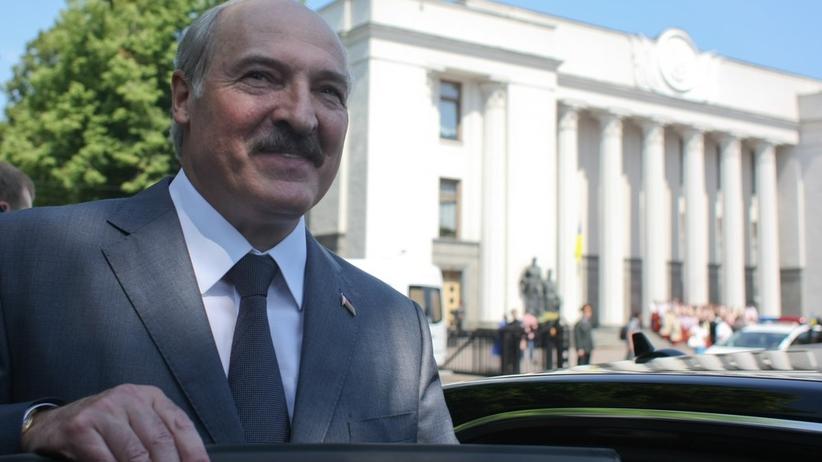 Duda zaprosił do Polski Łukaszenkę. Historyczna wizyta dojdzie do skutku?