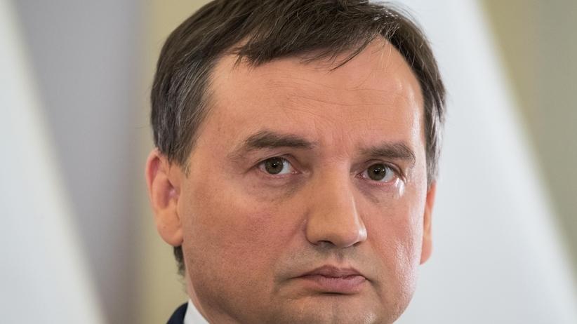 Rząd bierze się za sędziów i prokuratorów z czasów PRL. Są wnioski o uchylenie im immunitetów