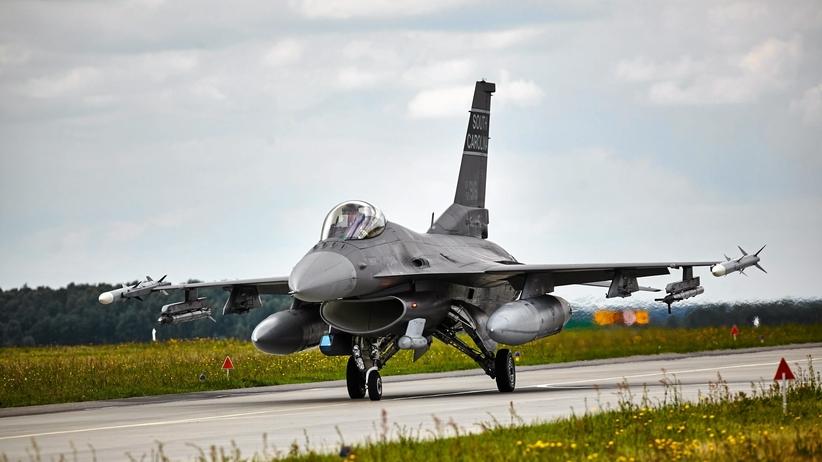 Polskie F-16 nadzorują przestrzeń powietrzną krajów nadbałtyckich
