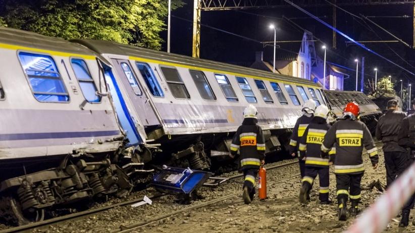 Kolizja kolejowa w Smętowie. Zderzyły się dwa pociągi. Sytuacja opanowana