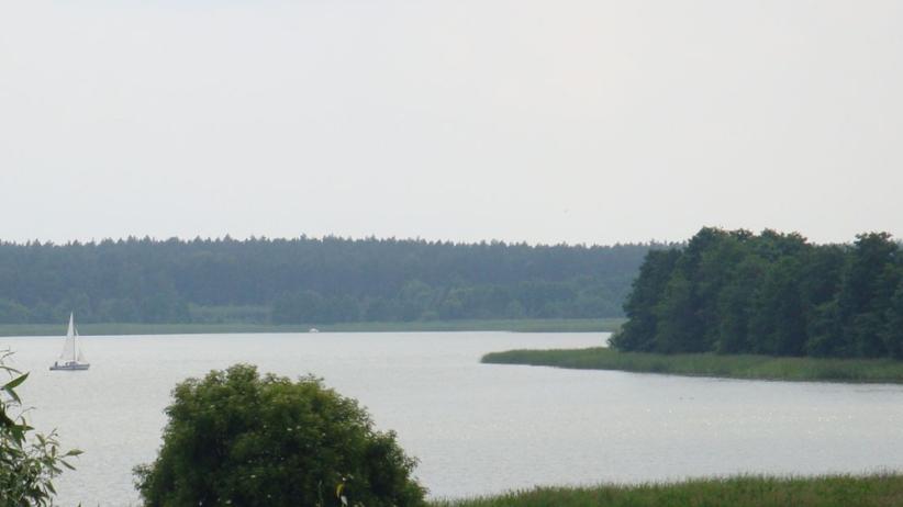 12-latek wpadł do jeziora. Trwają poszukiwania