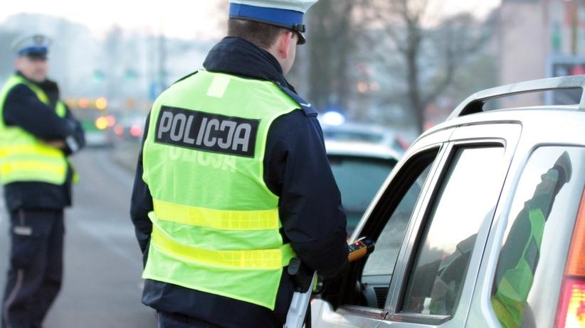 Pomorskie. Nietrzeźwa policjantka znaleziona obok rozbitego pojazdu
