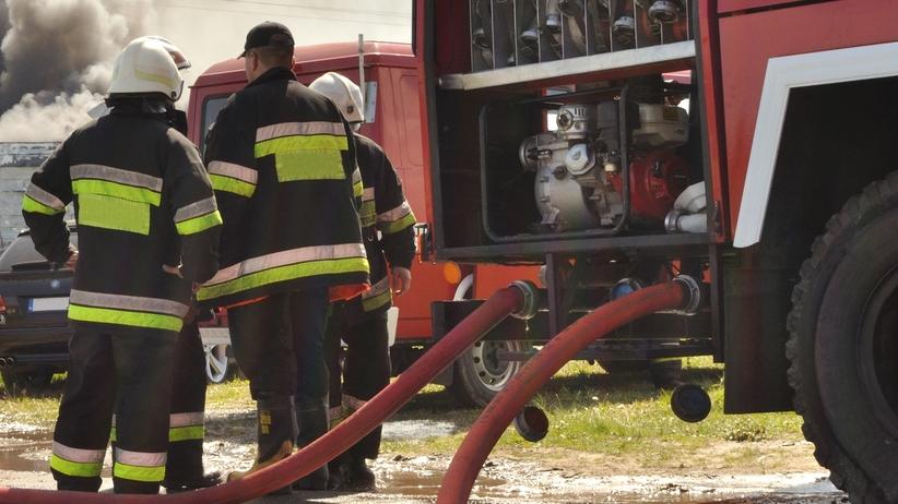 Pożar w budynku jednorodzinnym. Strażacy uratowali dwoje dzieci
