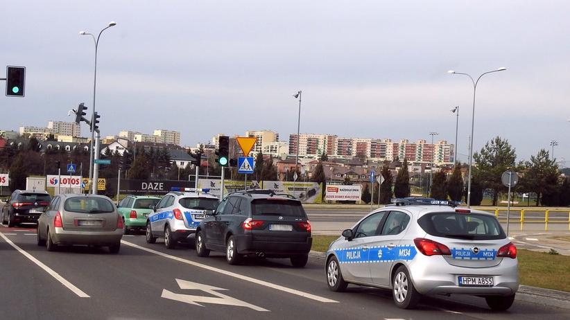 """Po porwaniu w Białymstoku policja przeszukuje samochody. """"Sytuacja jest bardzo poważna"""""""