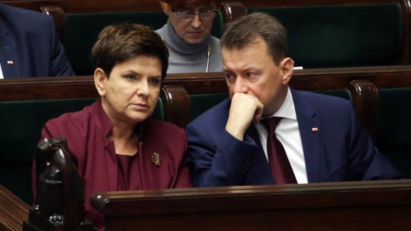 Ostra debata w Sejmie dot. nawałnic. Schetyna do Błaszczaka: To obrzydliwe, co pan robi