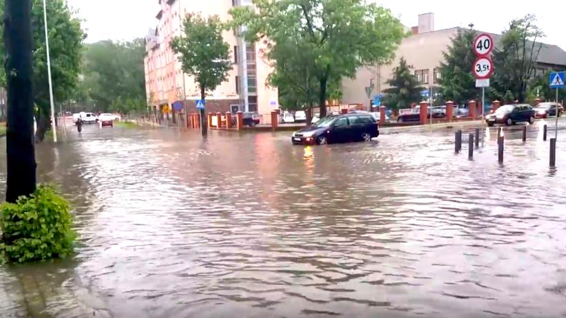 Potężne burze nad Polską. 15 tysięcy osób bez prądu