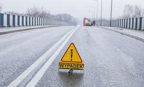 Uwaga, poważny wypadek! Droga zablokowana