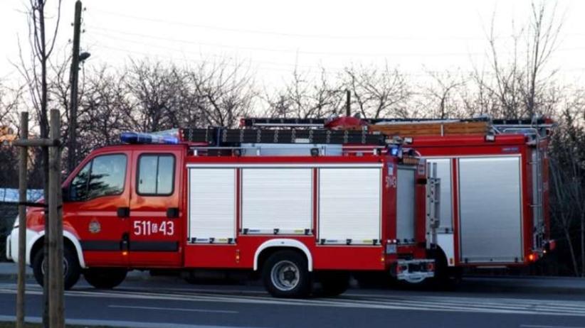 Pożar domu pod Nidzicą. W środku strażacy znaleźli dwa zwęglone ciała