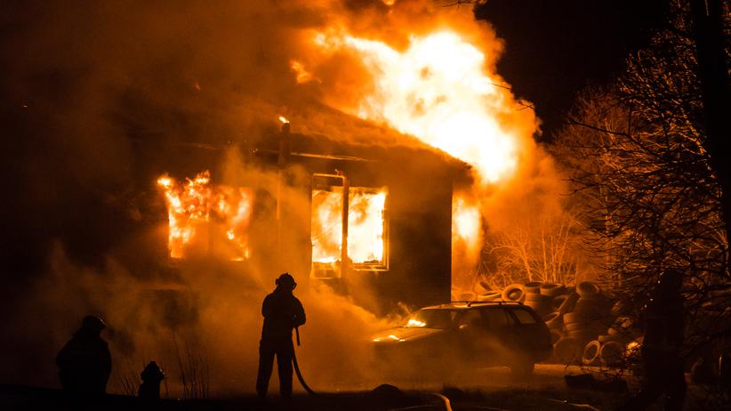 Ciała dwóch osób znalezione po pożarze. Na miejscu prokurator