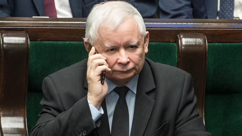 Prokurator powiesił w gabinecie fotomontaż z Kaczyńskim. Wszczęto śledztwo