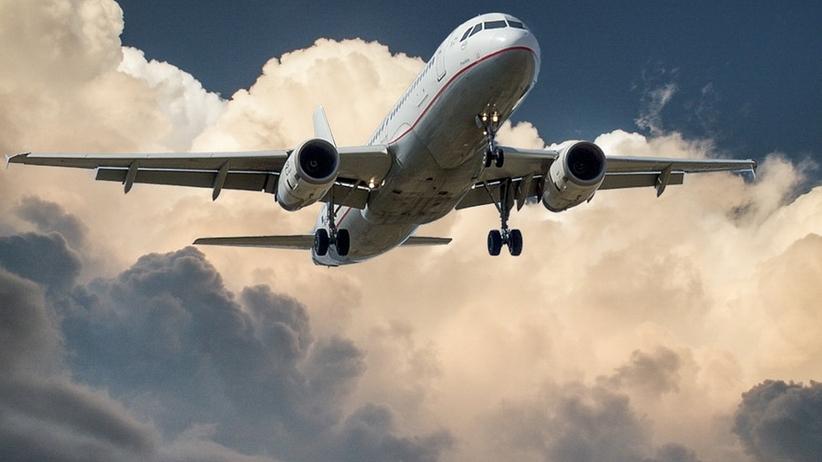 Lecisz na wakacje samolotem? Poznaj swoje prawa