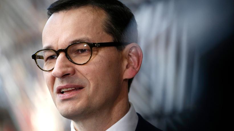 """Premier miał zrezygnować ze 100 milionów złotych, by """"wejść do polityki"""""""
