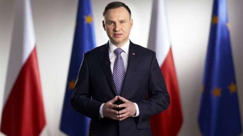 Andrzej Duda chce zabronić dzieciom korzystania z solariów