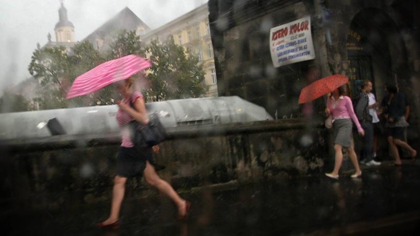 Prognoza pogody na czwartek: pochmurno i deszczowo