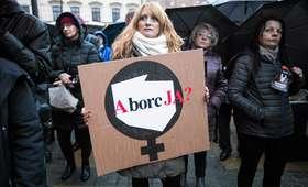 Zakaz antykoncepcji, zakaz aborcji? Nowy projekt w Sejmie