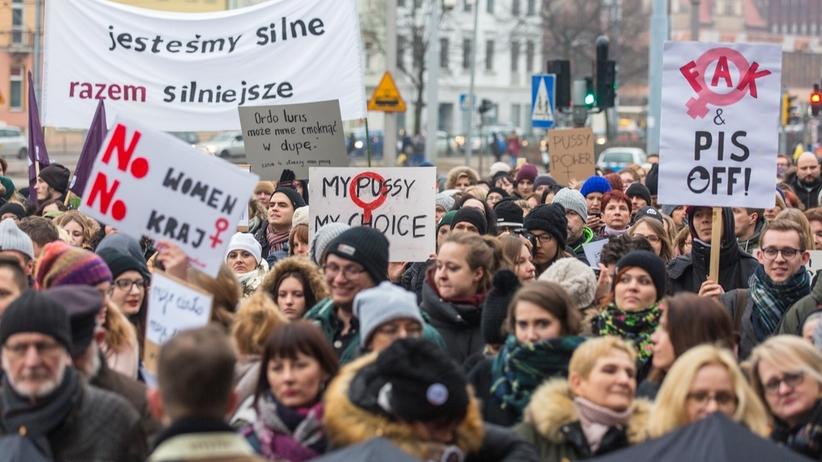 Strajk Kobiet wzywa pod Sejm. Protest przeciwko zakazowi aborcji