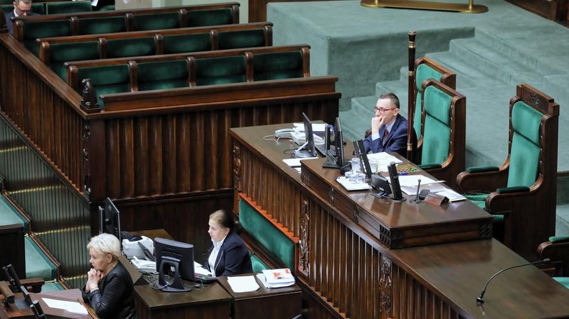 Projekt dotyczący zarobków w NBP w Sejmowej Komisji Finansów