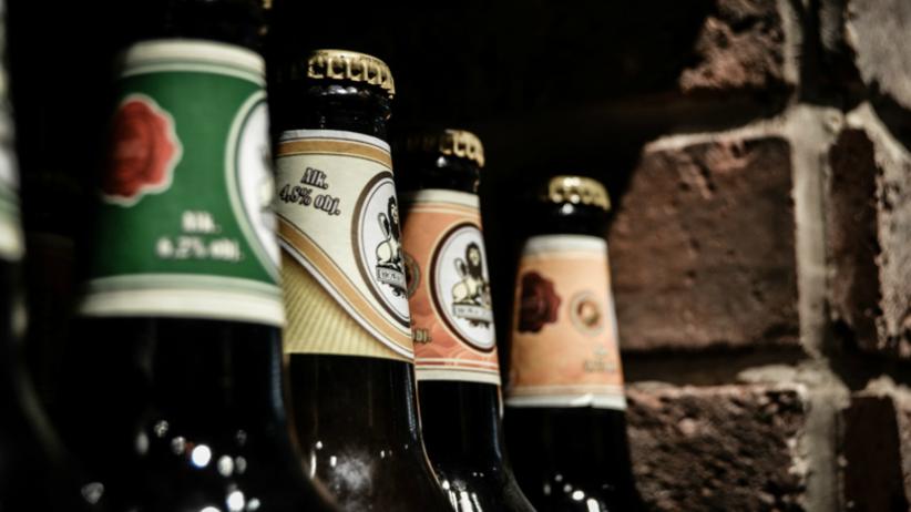 PiS na wojnie z... piwem. Według nowego projektu, gminy będą mogły ograniczać sprzedaż piwa