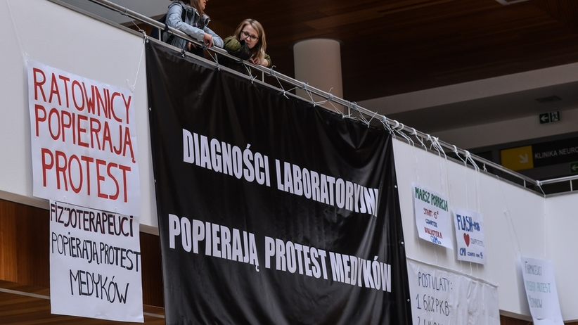"""""""Czarny piątek"""" w służbie zdrowia. Protest medyków"""