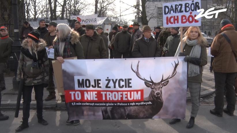 Myśliwi pod Sejmem o zabijaniu zwierząt: Nie obrażajmy tych, którzy przeżyli Oświęcim