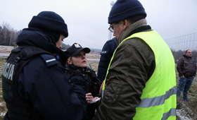 Droga odblokowana. Protestujący rolnicy opuścili S8, spisuje ich policja