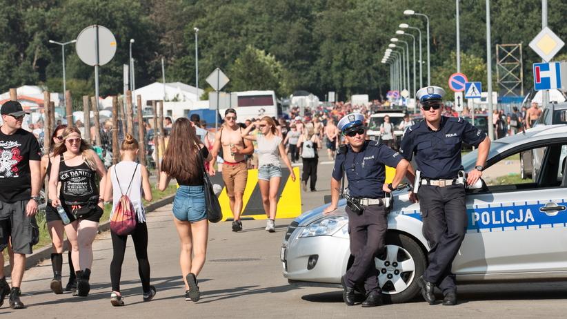 Usiłowanie gwałtu i handel narkotykami. Policyjny raport Przystanku Woodstock