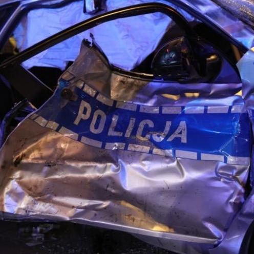 Radiowóz zderzył się z samochodem dostawczym