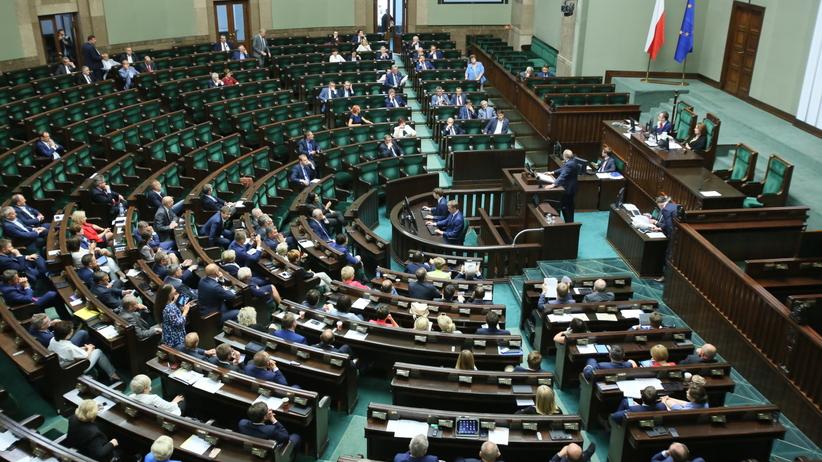 Andrzej Duda nie podpisze ustawy o Sądzie Najwyższym. Stawia jeden warunek. Wcześniej burzliwe dyskusje w Sejmie [NA ŻYWO]