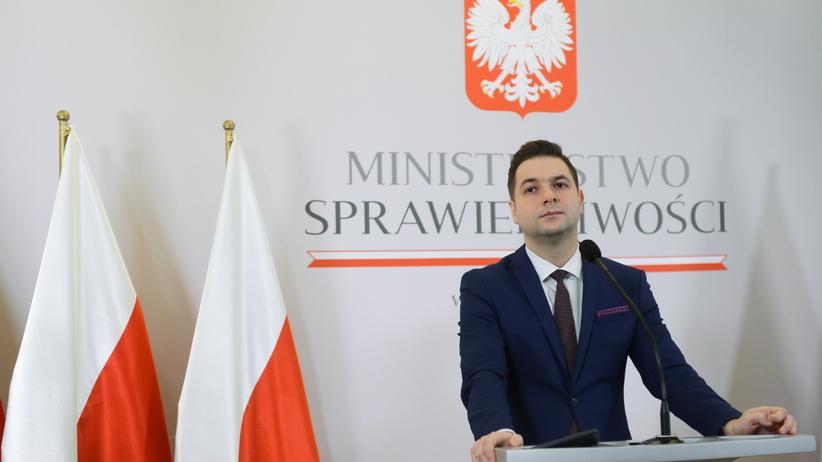 Komisja weryfikacyjna: decyzja ws. działek na pl. Defilad