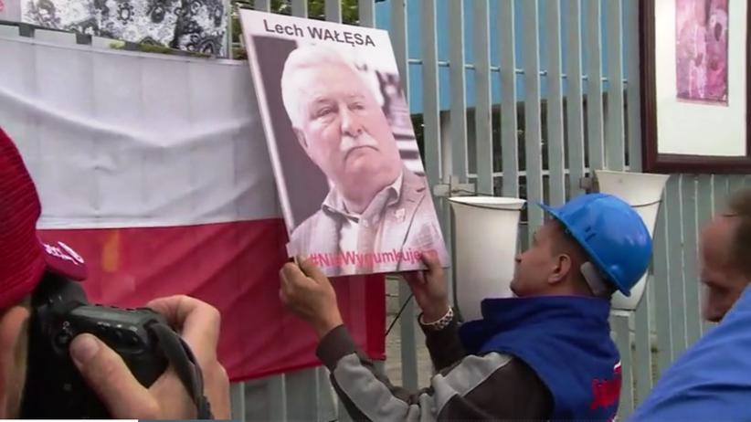 Rocznica Sierpnia'80. Potret Wałęsy zniknął z bramy Stoczni Gdańskiej