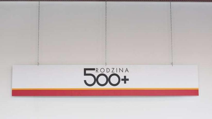 Zamiast 500+, tylko 300+. Program traci na wartości!