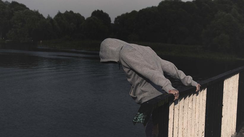 Rośnie liczba samobójstw wśród nastolatków. Statystyki przerażają