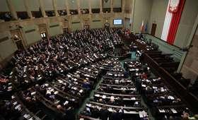 Rząd chce obsadzać kierownicze stanowiska kierowników urzędów osobami bez stażu pracy