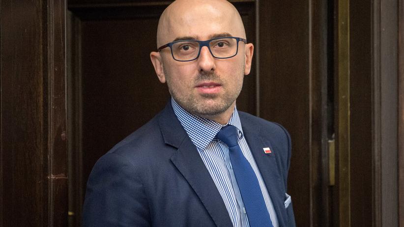 Rzecznik prezydenta Krzysztof Łapiński zrezygnował. Kim jest, powody dymisji