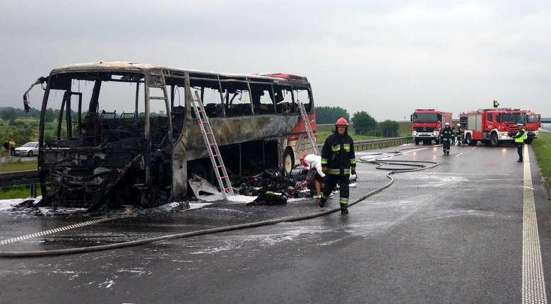 Pożar autobusu na autostradzie A4. W środku było 47 osób [GALERIA]