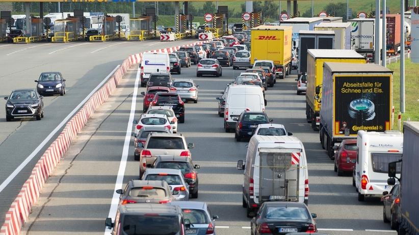 Wypadek w Małopolsce. Samochód zderzył się z ciężarówką