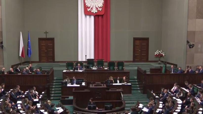 Sejm Dzieci i Młodzieży. Nastolatek skrytykował PiS. Kuchciński wyłączył mu mikrofon